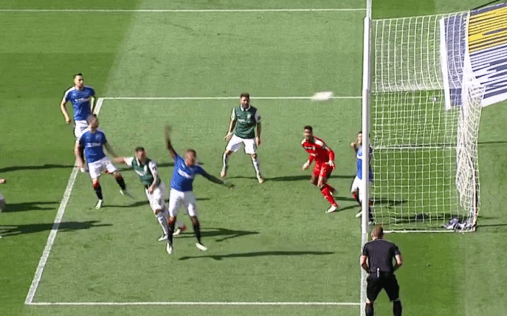 Anthony Stokes equalises for Hibs