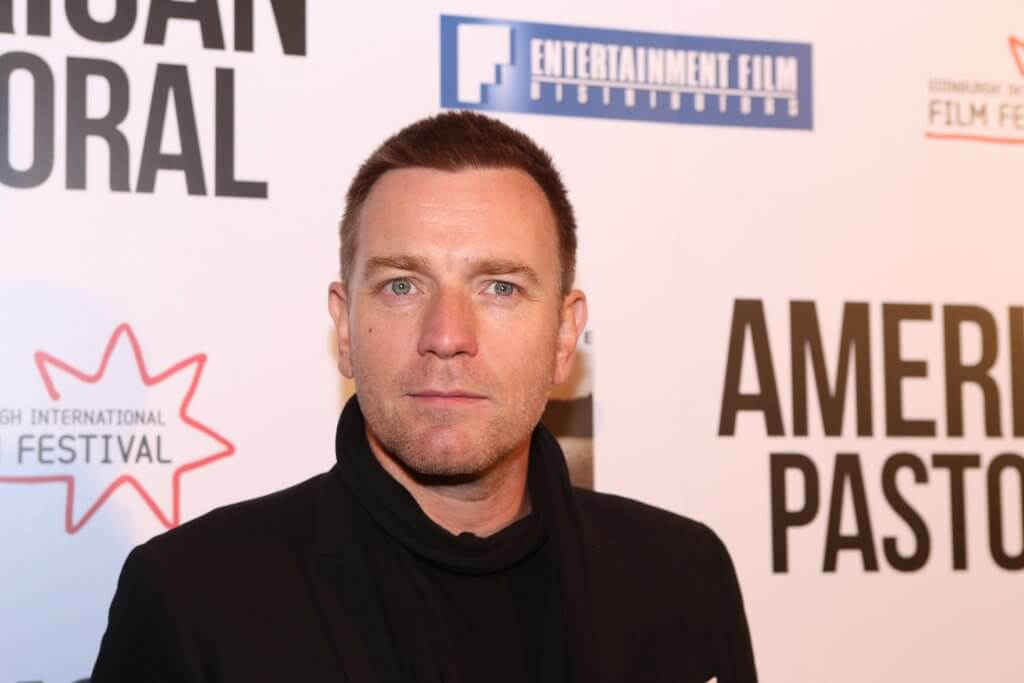 Ewan McGregor on the red carpet (photo by Terry Murden)