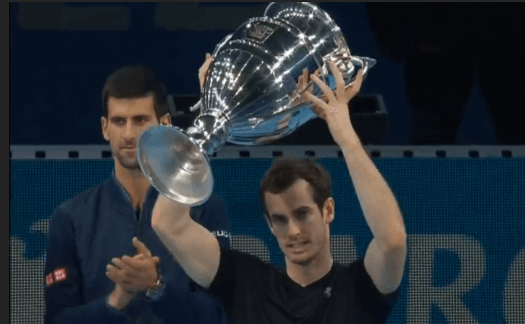 murray-with-trophy