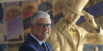 Ivan Menezes with Johnnie Walker man