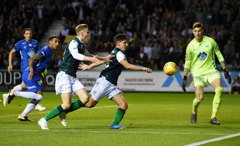Emerson Hyndman missed a good chance for Hibs late in the game
