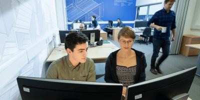 Napier-Trimble-tech-lab
