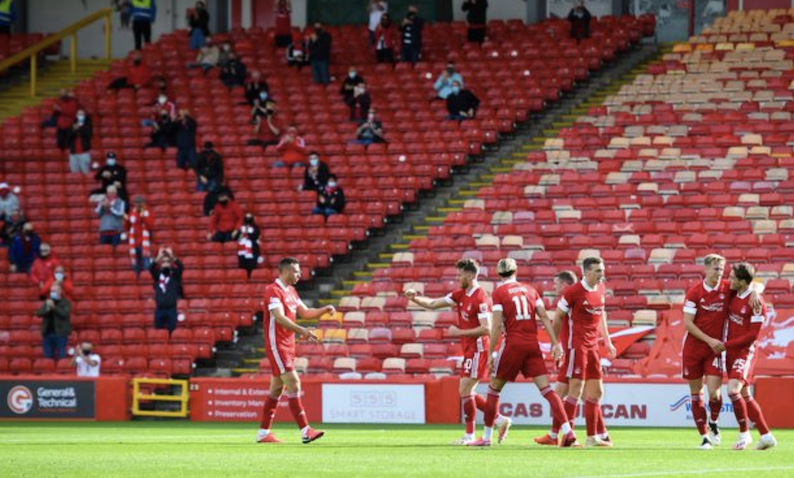 Aberdeen-and-limited-crowd