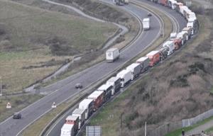 Camions dans la file d'attente