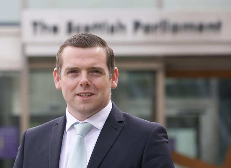 Douglas-Ross-outside-parliament