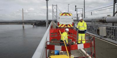 Openreach-engineers-in-Forth-Road-Bridge