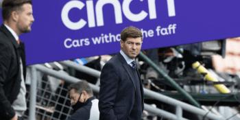 Gerrard-at-Tannadice-with-Cinch-hoarding-SNS
