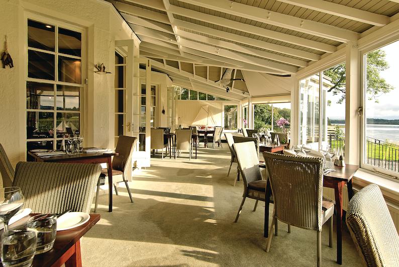 Lake-of-Menteith-restaurant